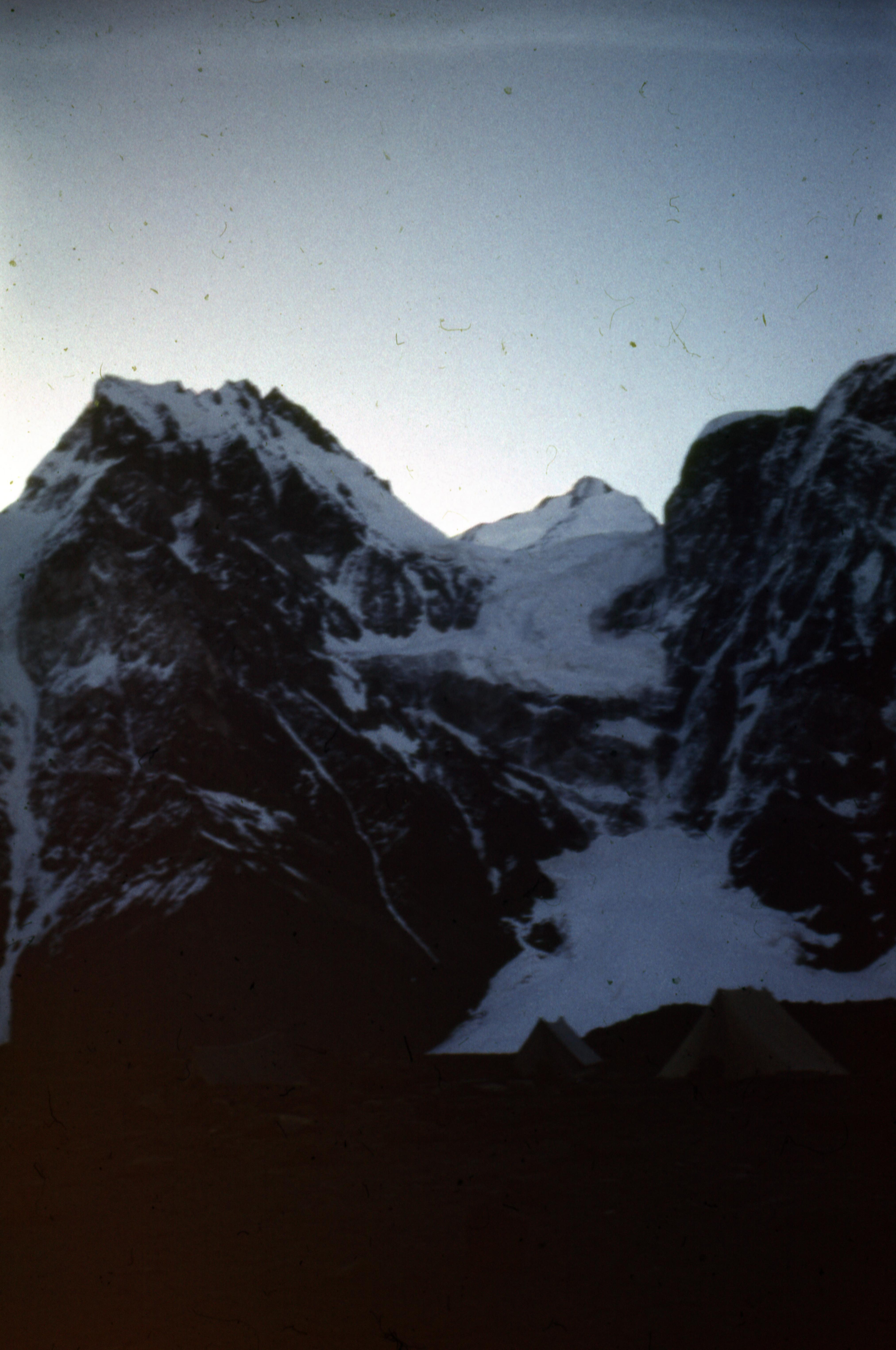 1987 год. Экспедиция МИФИ на пик Корженевской